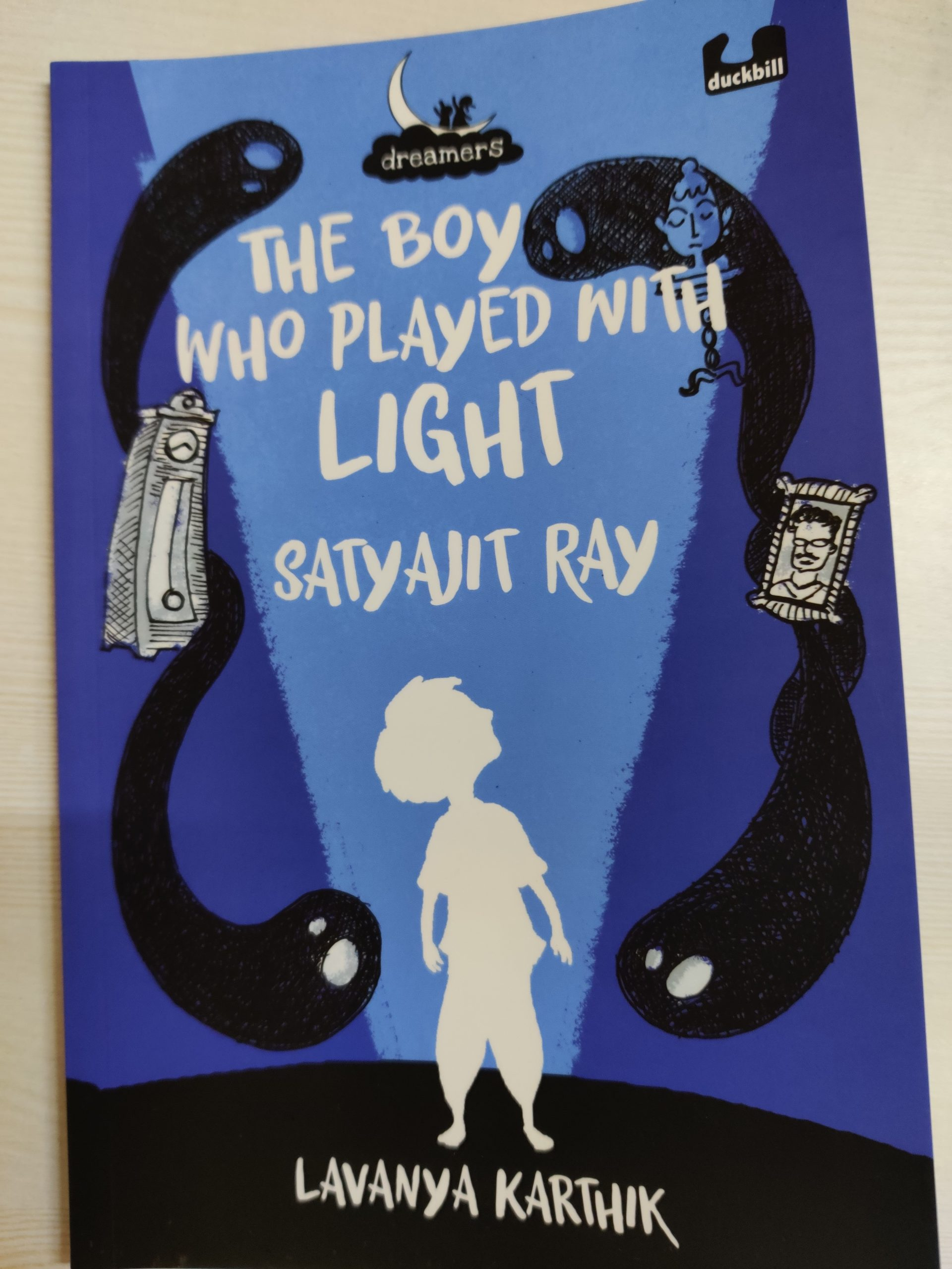 Review: The Boy Who Played With Light – Satyajit Ray